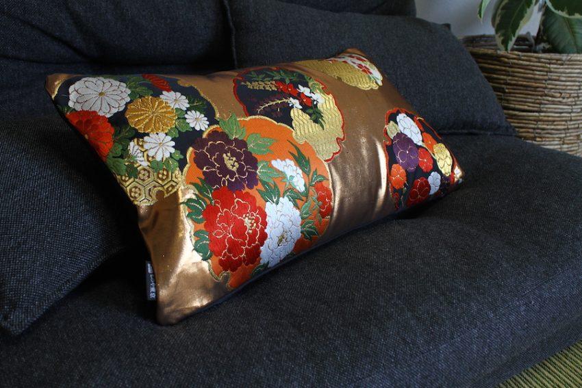 Housse de coussin – Temari Doré à Fleurs