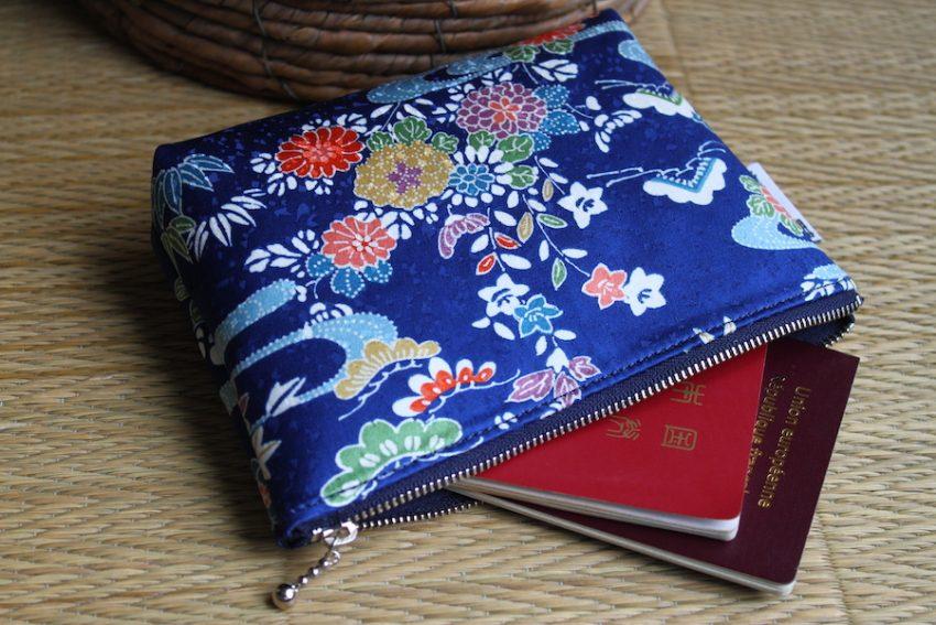 Pochette multi-usage – Kimono Bleu lumineux