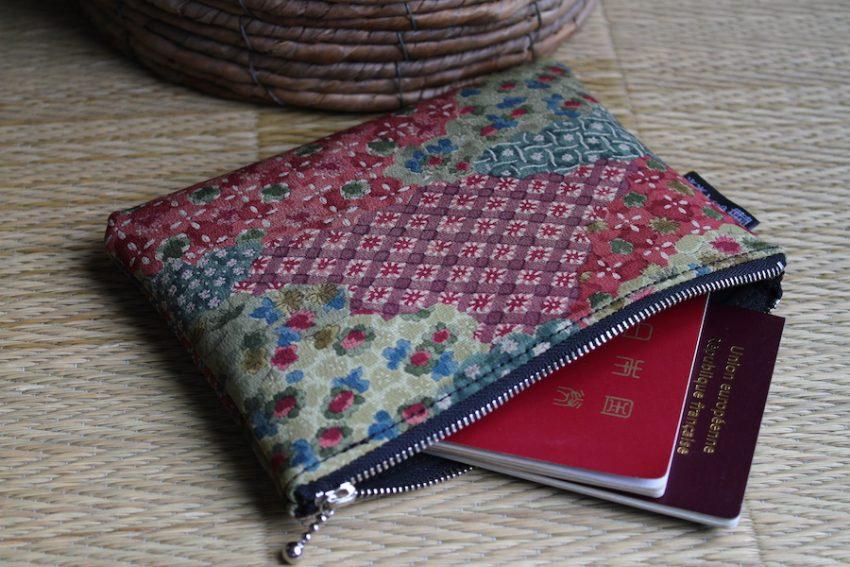 Pochette Fine – Kimono Rouge et Vert