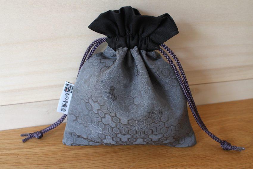 Bourse kinchaku – Kimono Gris Kikko