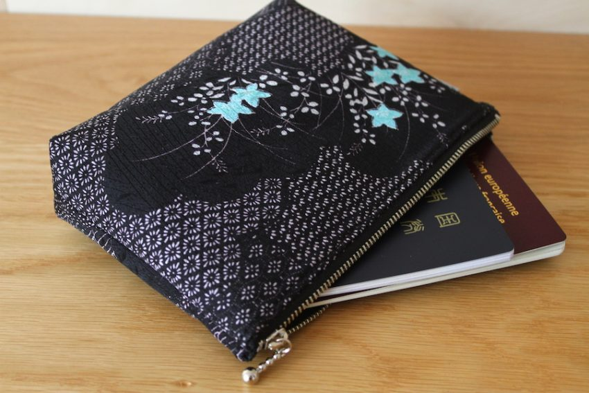 Multi-use pouch – Black Kimono with flowers